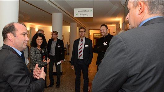 Geschäftsführung und Visitoren während der KTQ Zertifizierung