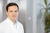 Dr. med. Simon Larrosa-Lombardi