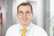 Dr. Ulrich Hofstadt-van Oy Chefarzt der Klinik fuer Neurologie am Knappschaftskrankenhaus Dortmund