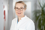 Oberärztin Dr. med. Corinna Kelbel