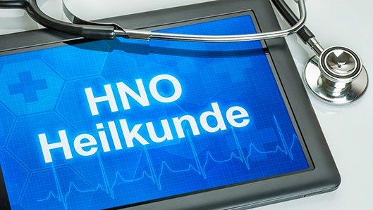 Tablet mit dem Schriftzug HNO-Heilkunde