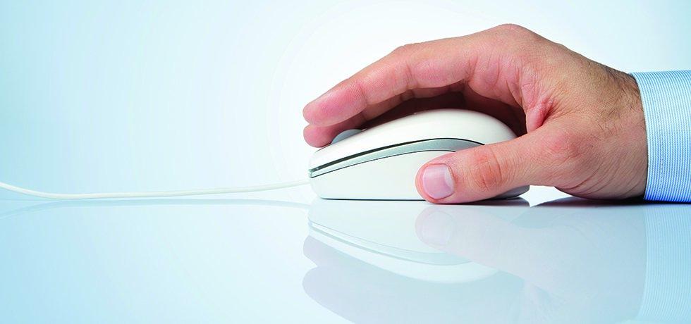 Per Klick zum Chefarzt-Vortrag - Symbolbild eine Hand, die mit einer Computermaus einen Klick ausführt.