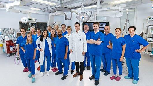 Teamfoto Kardiologie im neuen Hybrid-HKL