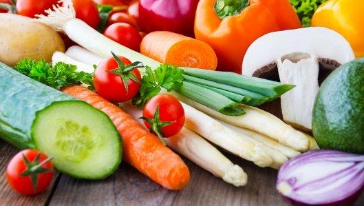 Ernährungsberatung - Symbolbild mit vielfäligem frischen Gemüse