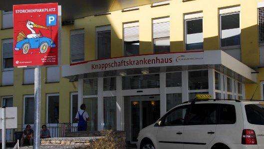 Das Storchentaxi bringt werdende Mütter aus Kamen kostenlos zum Knappschaftskrankenhaus Dortmund