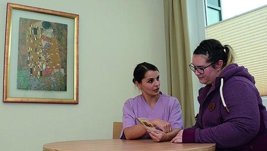 Bertaung einer Schwangeren in der Hebammenpraxis am Kanppschaftskrankenhaus Dortmund