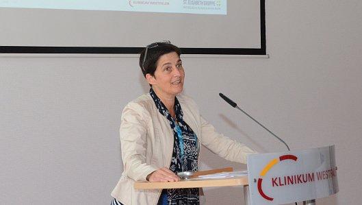 Die Bedeutung ihres Einsatzes im Nordrhein-westfälischen Gesundheitswesen unterstrich Landesgesundheitsministerin Barbara Steffens bei einem Besuch im Knappschaftskrankenhaus Dortmund.